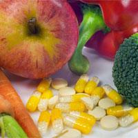 Pillen statt Obst und Gemüse - besser Finger weg! - Foto: obx-medizindirekt