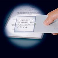 Die Geschenk-Idee: Leuchtlupe Eschenbach Easy Pocket - Foto: Seniorenland