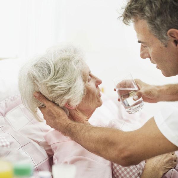 Der Pflegefall - was ist zu tun - Foto: djd/Ergo Direkt Versicherungen