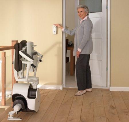 Treppenlifte für Senioren als Erleichterung im Alltag | jingdianjiaju, Flickr.com