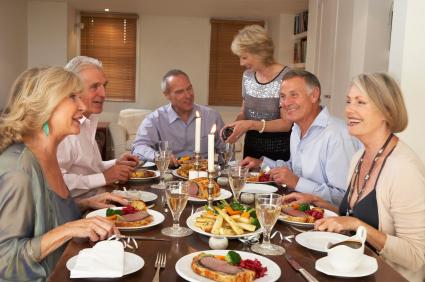Dinner mit dem passenden Weinen | Foto: Catherine Yeulet/istockphoto.com