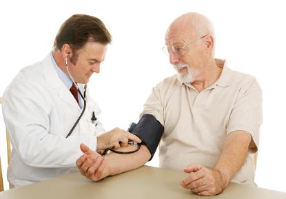 Blutdruckmessung ist eine wichtige Vorsorgeuntersuchung | Foto: istockphoto.com/lisafx