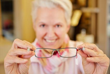 Dank Versicherung bezahlbar: Brillen von Fielmann | © Robert Kneschke - Fotolia.com