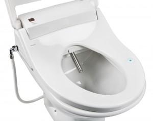 Der Duscharm fährt automatisch aus dem WC aus, das Wasser spritzt zielgerecht an den Po und säubert gründlich.